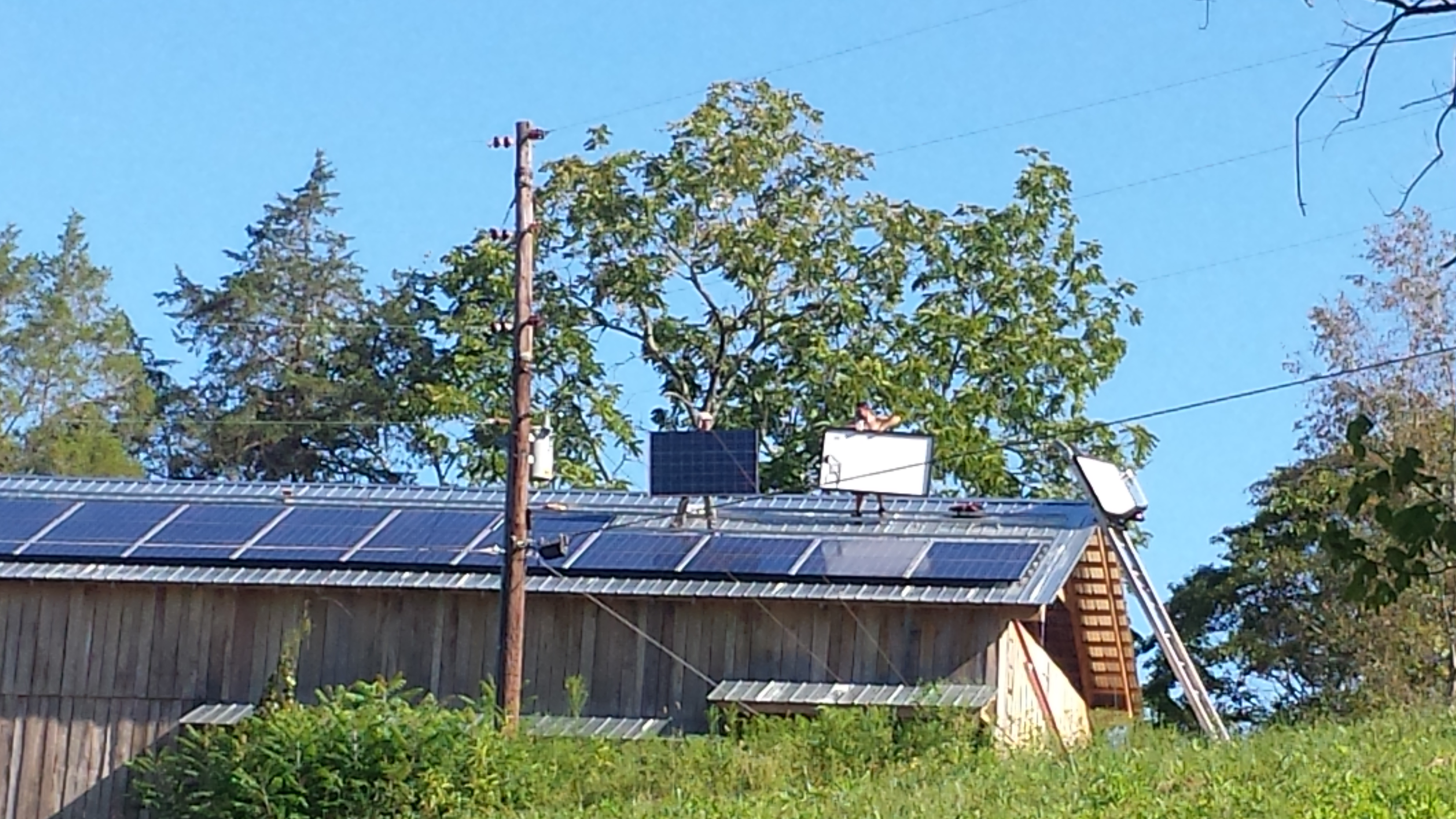 solar panel install on barn farm tn